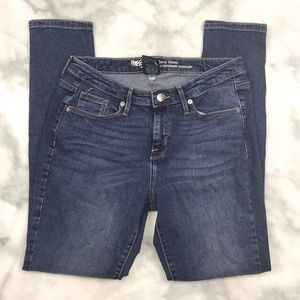 Mossimo Curvy Mid-Rise Skinny Jeans NWT 2 LONG